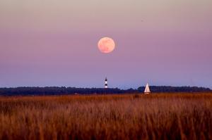 moonrise, Bodie island, lighthouse